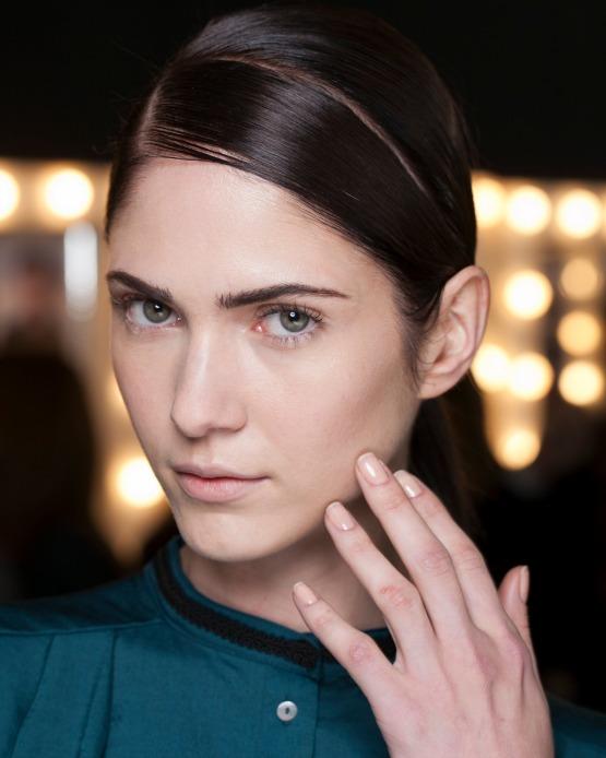 beleza-acontece-maquiagem-spfw-osklen-outono-inverno-2014-pele-make-neutro-beauty-editor-2