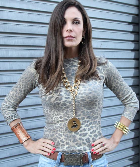 beleza-blog-das-convidadas-manuella-menezes-esmalte-revlon-carolina-ferraz-unhas-beauty-editor