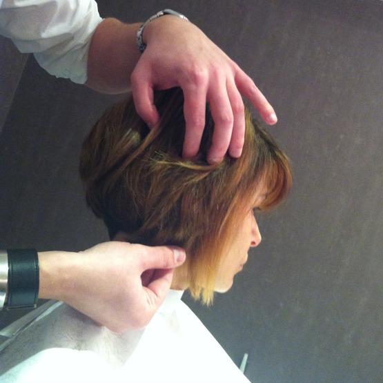 beleza-cabelo-corte-e-styling-cabeleireiro-tiago-parente-atriz-bianca-rinaldi-corte-de-cabelo-beauty-editor-2