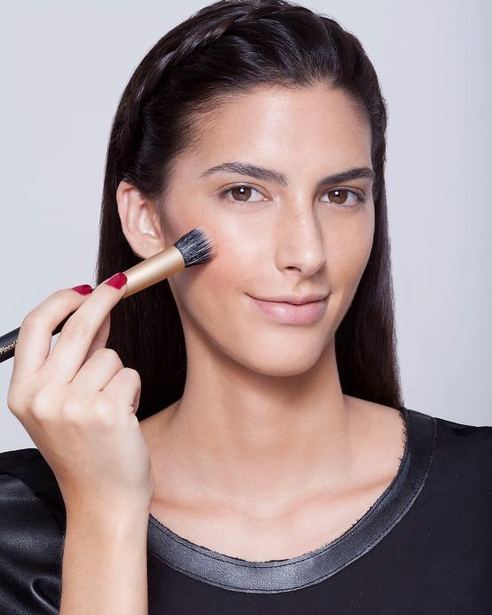 beleza-beauty-editor-maquiagem-como-fazer-passo-a-passo-pele-iluminada-blush-cremoso