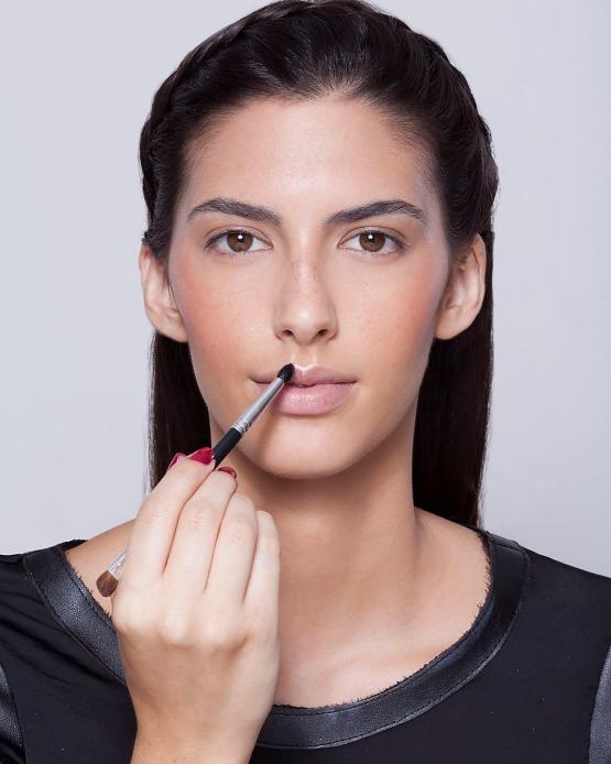 beleza-beauty-editor-maquiagem-como-fazer-passo-a-passo-pele-iluminada-iluminador-pele-boca