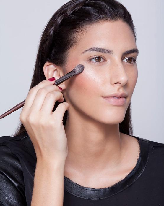 beleza-beauty-editor-maquiagem-como-fazer-passo-a-passo-pele-iluminada-iluminador-pele