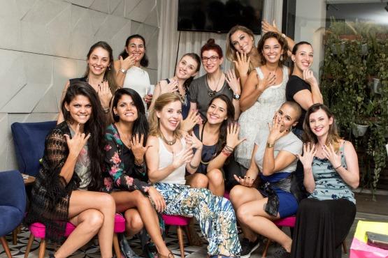 Digam nail!!! As participantes do encontrinho mostram suas novas nail arts para a fotógrafa Rebeca Anafe.