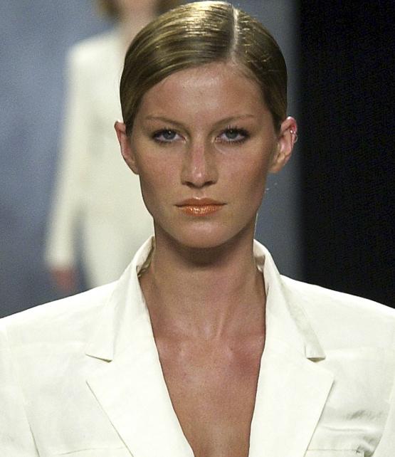 Donna Karan RTW Spring Summer 2001 Gisele Bundchen GISELE BUNDCHEN