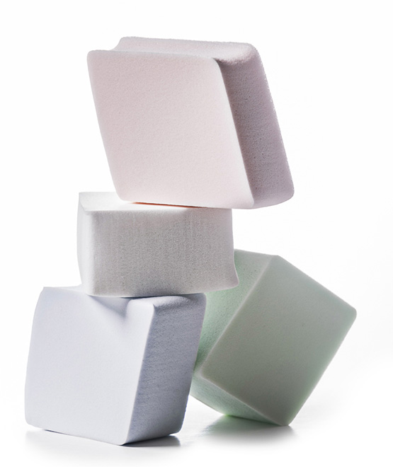 Esponjas Océane: altas, fofas e com pontas arredondadas, as deste formato são bastante versáteis.