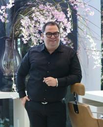 Maquiador das celebridades, Jr Mendes abre salão em João Pessoa