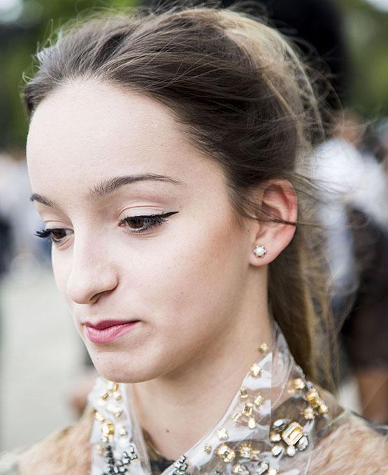beleza-beauty-editor-acontece-beauty-looks-spfw-inverno-2017-street-style-dia-2-daniela-burgarelli