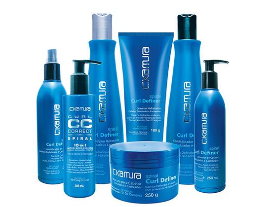 beleza-site-beauty-editor-maria-cecilia-investiga-produtos-para-cabelo-cacheado-linha-curl-spiral-ckamura