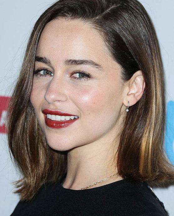 beleza-beauty-editor-acontece-sete-looks-de-beleza-com-emilia-clarke-2015