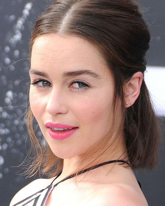 beleza-beauty-editor-acontece-sete-looks-de-beleza-com-emilia-clarke-terminator-genesys-premiere-in-hollywood-2