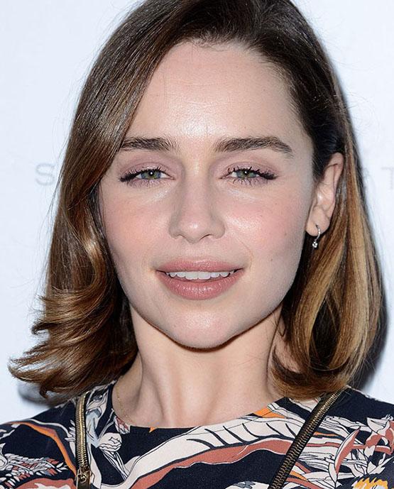 beleza-beauty-editor-acontece-sete-looks-de-beleza-com-emilia-clarke-terminator-genesys-premiere-in-hollywood