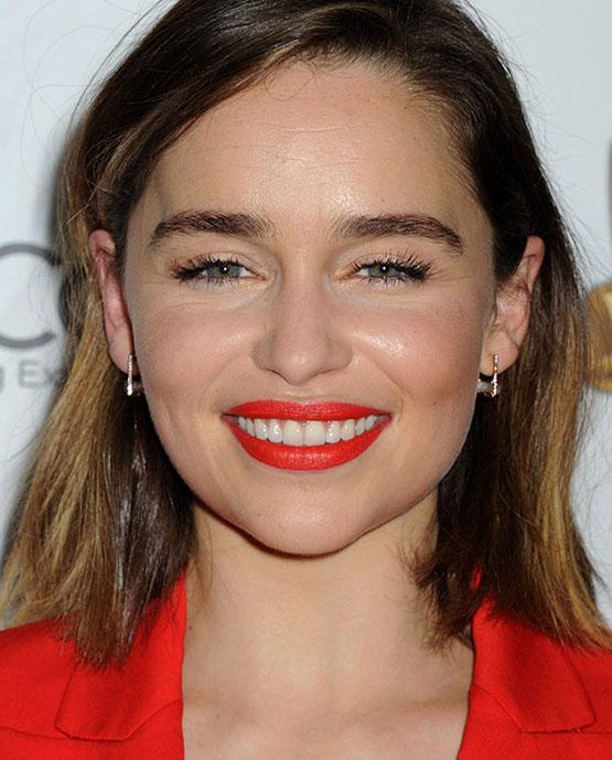 beleza-beauty-editor-acontece-sete-looks-de-beleza-com-emilia-clarke-the-wrap-s-power-women-breakfas-2015