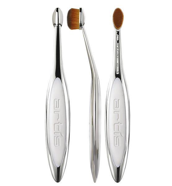 beleza-beauty-editor-maquiagem-cores-e-tendencias-pinceis-de-maquiagem-artis-brand-artis-elite-mirror-brush-oval-3