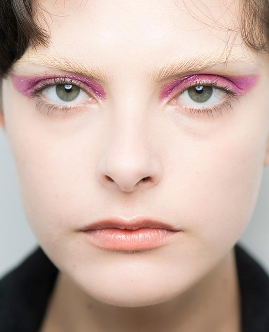 Sparkling pink: o olhar supercintilante da beleza da Animale, assinada por Fabiana Gomes.