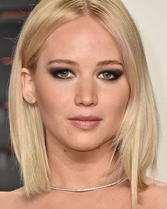 3-beleza-beauty-editor-acontece-sete-looks-com-jennifer-lawrence-vanity-fair-oscar-2016-party