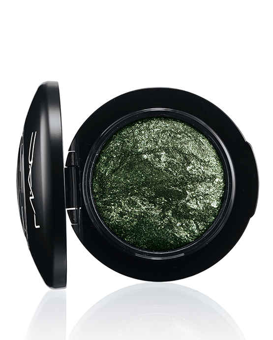 beleza-beauty-editor-maquiagem-cores-e-tendencias-verdes-mac-mineralize-eyeshadow-smutty-green