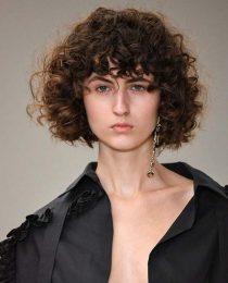 Franja: ela aparece em vários tipos de cabelo nas passarelas da SPFW