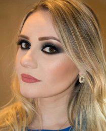 Larissa Abritta: maquiadora e professora de tudo do universo da Beauté