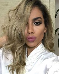 Anitta loira: veja o novo look da cantora e saiba detalhes da nova cor