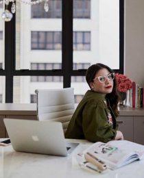 Brigitte Calegari: a fera da beleza e seus cursos de make badalados