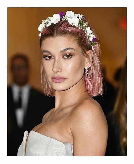 Hailey-Baldwin-tiara-flores