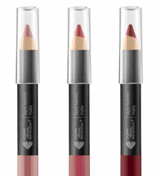 maquiagem lápis batom vinho nude