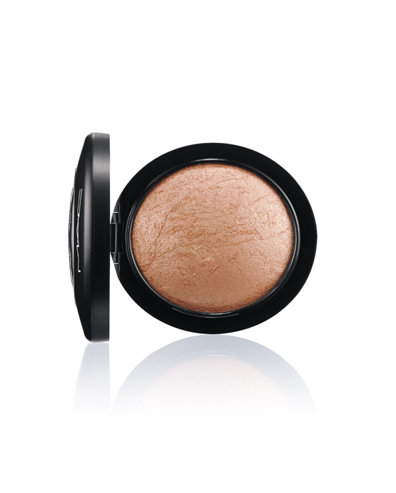 """iluminador e blush Soft And Gentle MAC"""