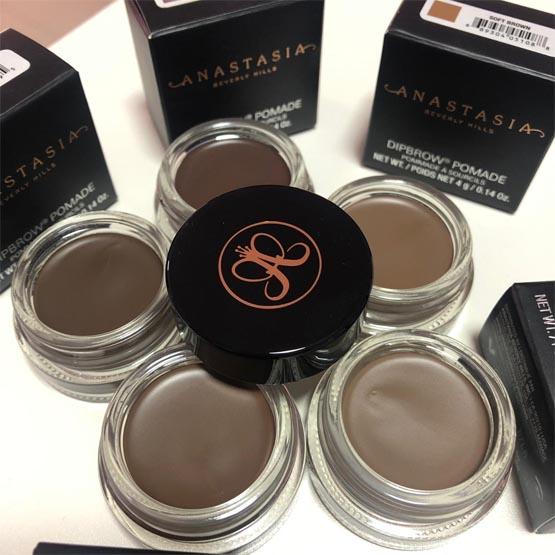 Maquiagem para sobrancelha DipBrow Anastasia