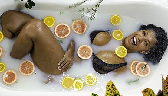 Spa em casa: como fazer banho relaxante