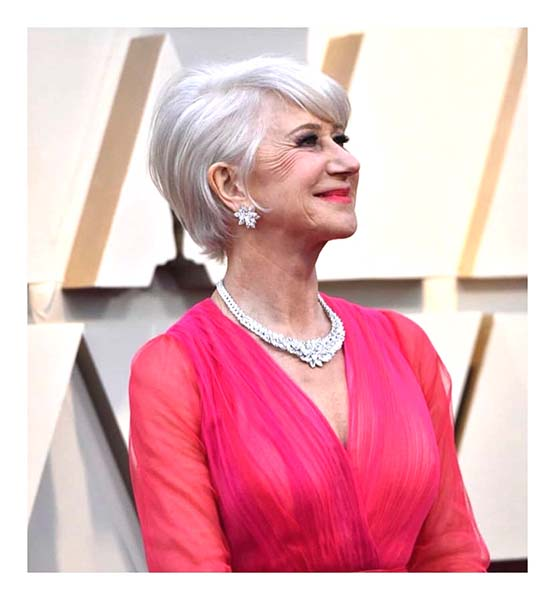 Helen Mirren usa batom coral no Oscar 2019