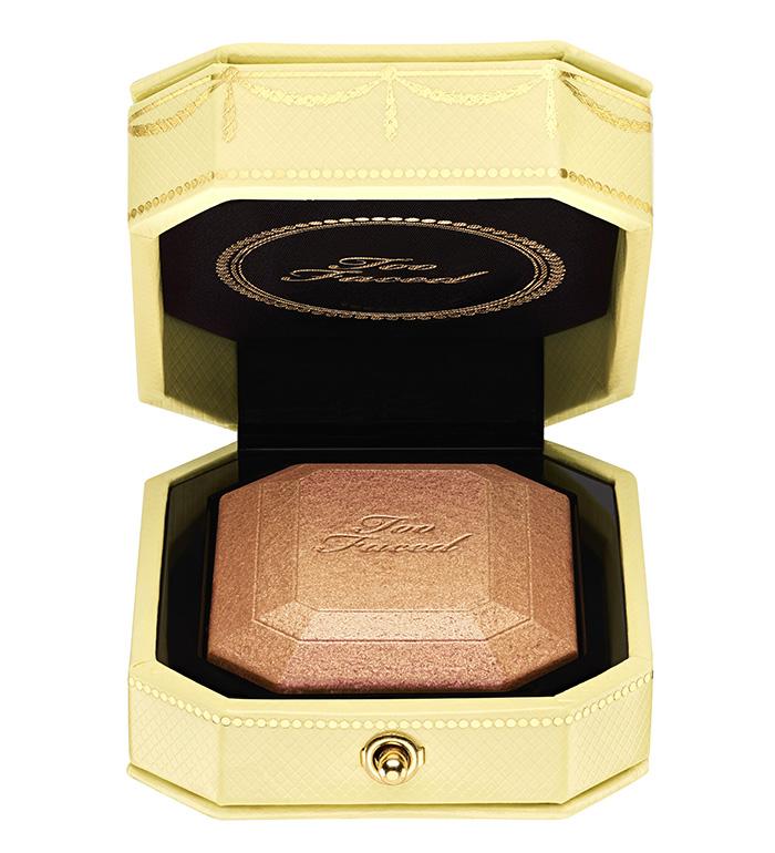 Iluminador dourado e rosado para maquiagem da Too Faced