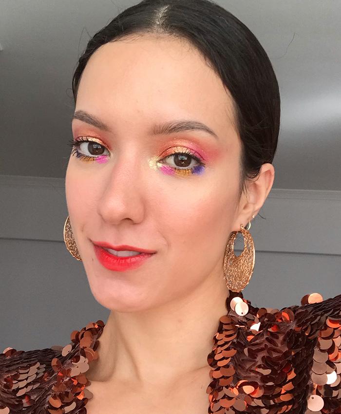Maquiagem de Carnaval com boca esfumada
