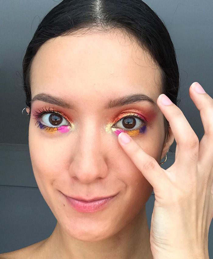 maquiagem com sombra colorida borradinha para Carnaval