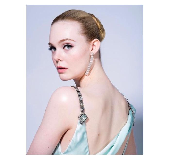 Elle Fanning maquiagem Golden Globes 2021