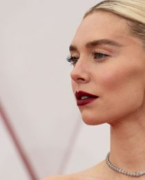 Melhores belezas do Oscar 2021: surpresas nos penteados e maquiagens